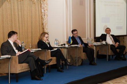 Міжнародні експерти під час обговорення щодо створення антикорупційних судів 3 березня 2017 року в Києві. ФОТО: Програма USAID «Нове правосуддя»