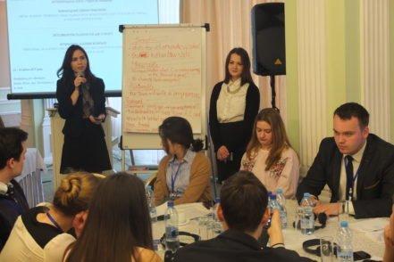 Студенти під час презетнації концепції щодо реалізації антикорупційних соціальних проектів 14 квітня 2017 року в Києві . ФОТО: Програма USAID «Нове правосуддя».