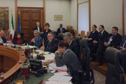 Представники української делегації та члени Вищої ради магістратури Італії (ВРМ) під час пленарного засідання ВРМ 19 квітня 2017 року в Римі, Італія. ФОТО: Програма USAID «Нове правосуддя»