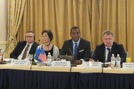 Міжнародні експерти програми під час семінару щодо дисциплінарної відповідальності суддів в Україні 25 травня 2017 року. ФОТО: Програма USAID «Нове правосуддя»